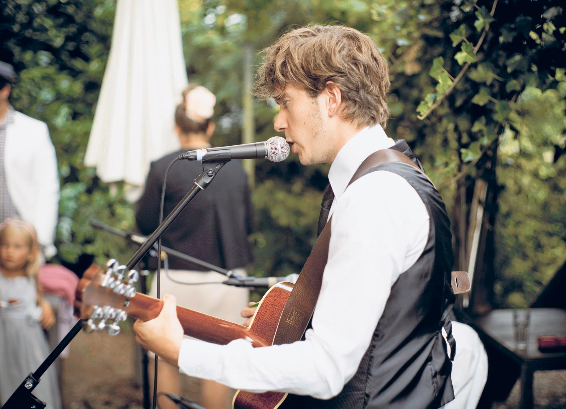Hochzeitssänger Schweiz Sänger Chris Wedding Voice
