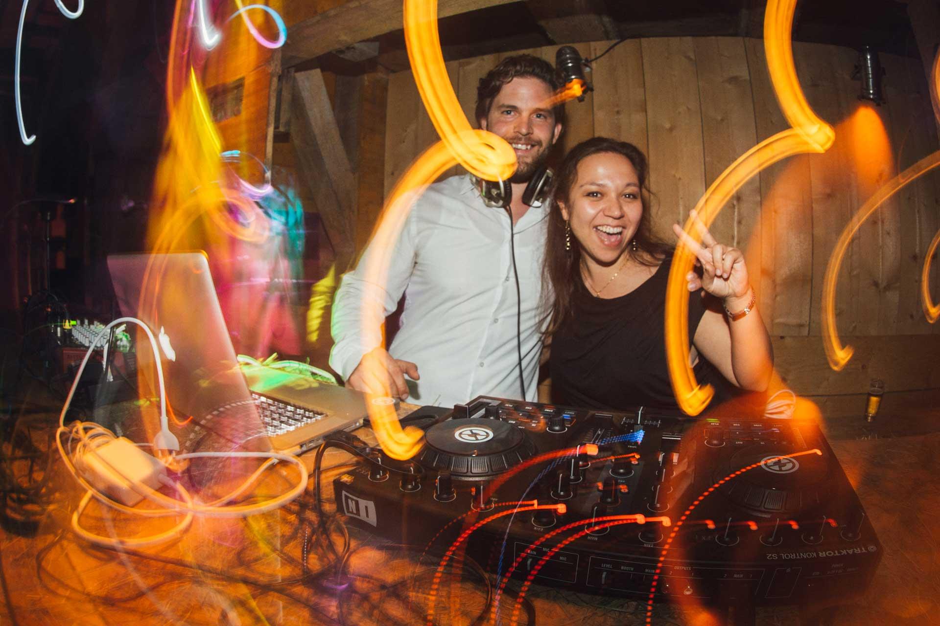 Hochzeitsmusik Hochzeitssängerin Party Hochzeit Sängerin Pianistin Jasmin Joana mit DJ