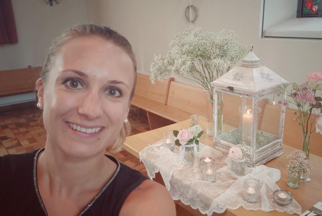 Hochzeitssängerin Vanessa, Selfie bei einem Apero