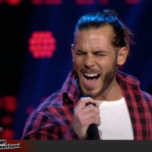 Sänger aus der Schweiz singt italienisch